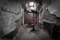 Roman Hirsch-jail barber